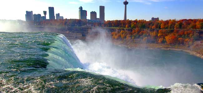 Falls and Niagara Gorge in the fall